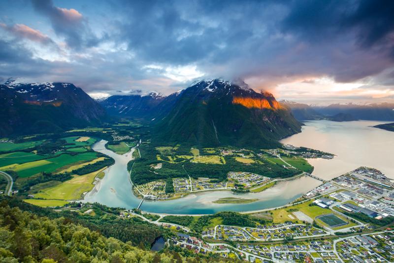 Rampestreken, Norway | Image via Brendan van Son