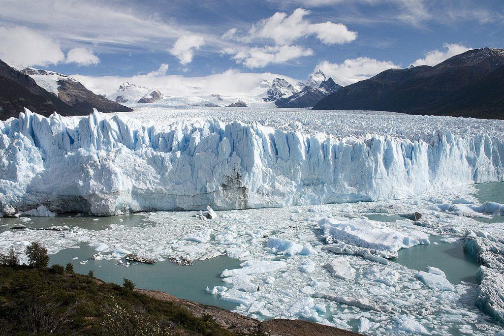Perito Moreno Glacier, Patagonia, Argentina | Image via Wikimedia Commons