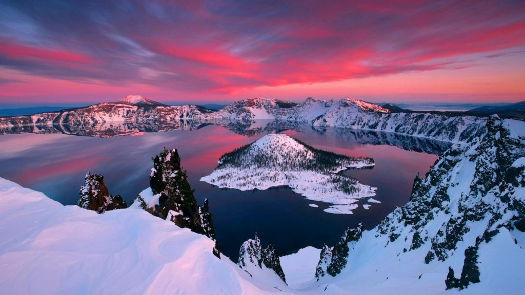 Crater Lake, Oregon, USA | Image via Feel The Planet
