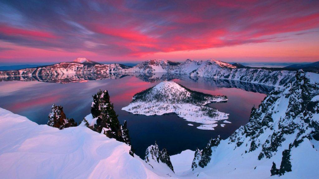 Crater Lake, Oregon, USA | Image via Feel The Planet