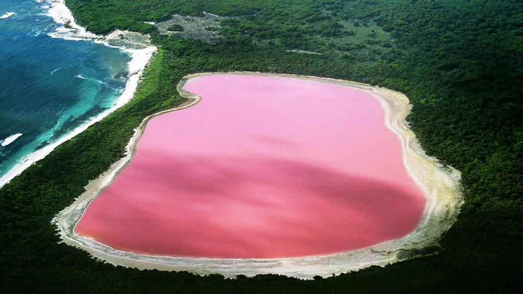 Hillier Lake, Australia | Image via Thousandwonders.net