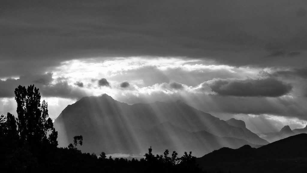 Suns Rays | Image via Pixabay