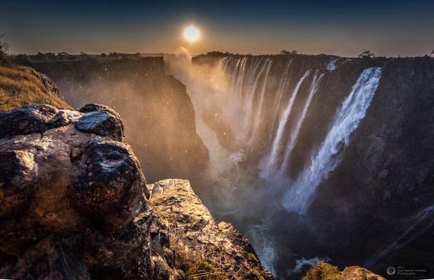 Victoria Falls | Image by Juan Ramn Jimnez